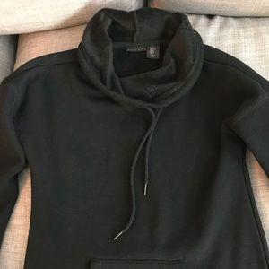 Tahari Long black plush sweatshirt sz XS